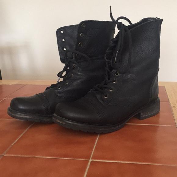 d55ffda300f Steve Madden Fame Combat Boots size 8M